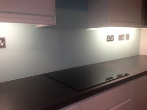 white glass splash backs