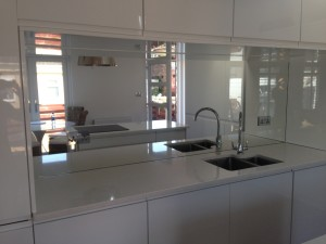 GLASS MIRROR SPLASH BACK